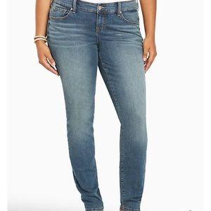 Torrid Medium Blue Wash Mid Rise Skinny Denim Jeans Size 12